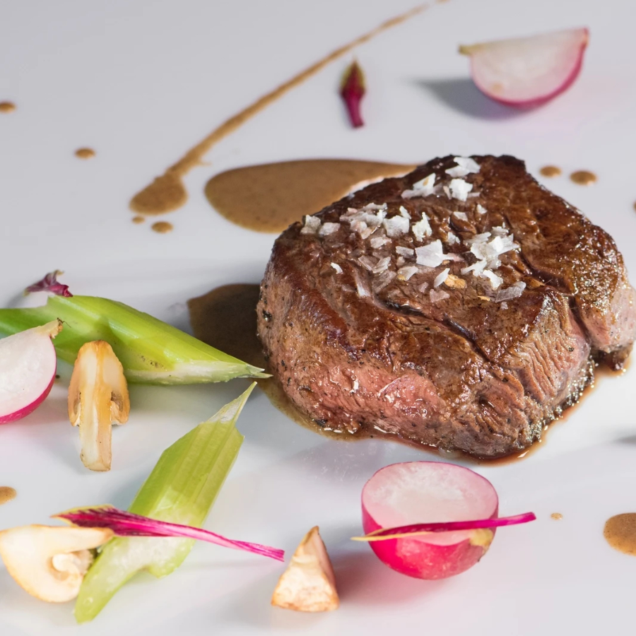 Beef tenderloin with white or black minced truffle